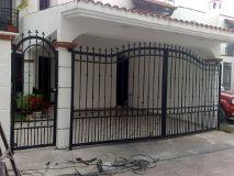 Foto de Puertas Automaticas Herreria Y Aluminio Ulloa