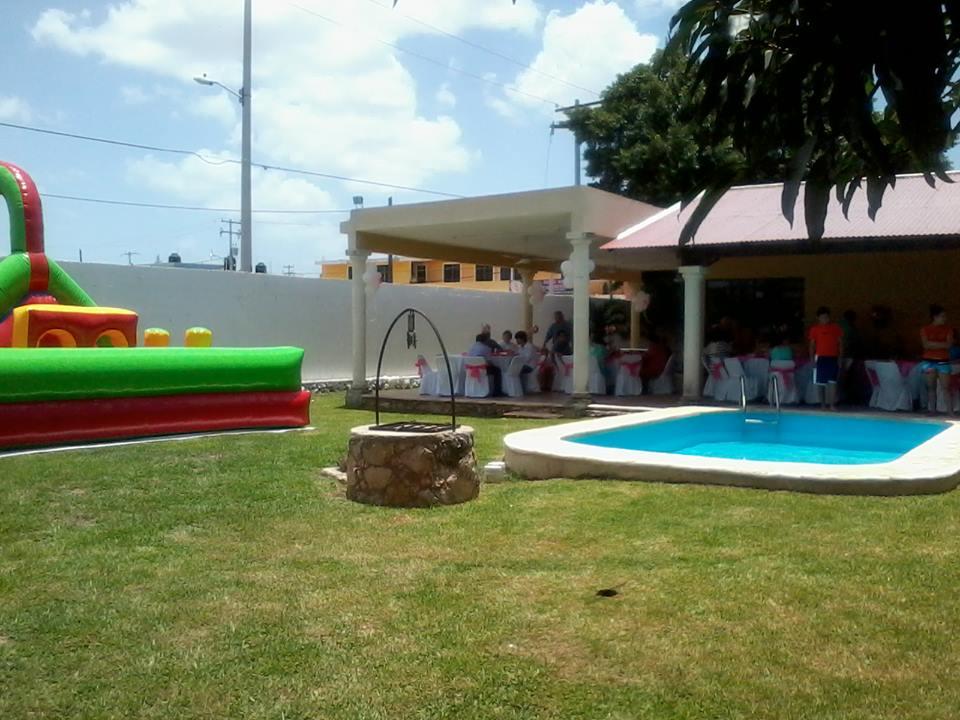 Sala de fiestas villa campestre m rida for Piscinas infantiles baratas